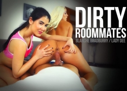 Dirty Roommates Clip von BaDoinkVR